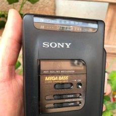 Radios antiguas: SONY WM-FX33 WALKMAN RADIO CASSETTE PLAYER AM FM - FUNCIONANDO. Lote 164763426