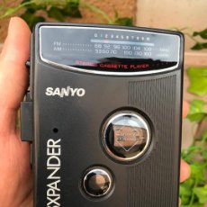 Radios antiguas: RADIO CASETE - WALKMAN AUTOREVERSE - SANYO BASSXPANDER - MODELO Nº MGR 200. Lote 164764582