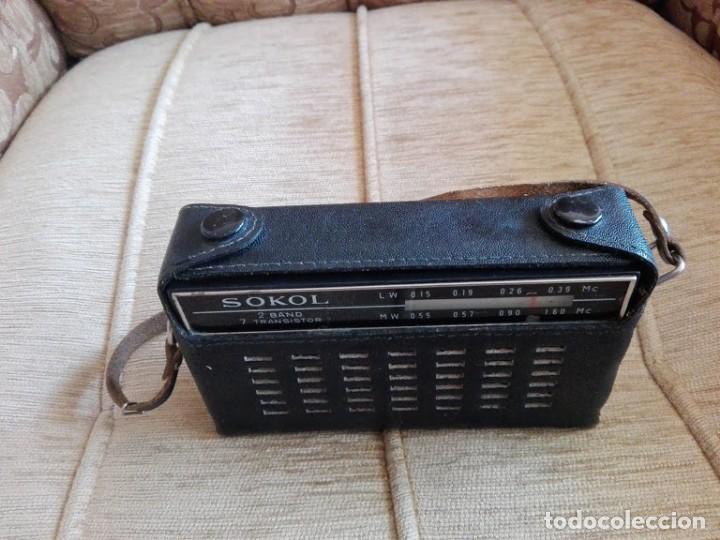 Radios antiguas: USSR VINTAGE Radio portátil SOKOL, receptor de radio de 2 bandas - Foto 3 - 164876950