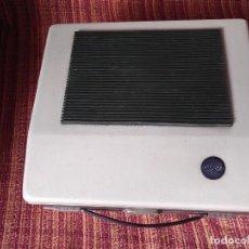 Radios antiguas: TOCADISCOS COSMO B-3210. Lote 165586778
