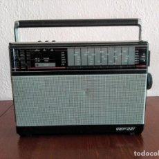 Radios antiguas: RADIO TRANSISTOR VINTAGE VEF 221. Lote 165872630