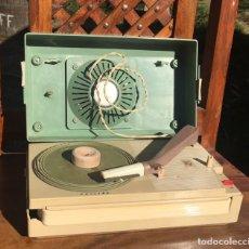 Radios antiguas: PHILIPS ALL TRANSISTOR TOCADISCOS FUNCIONANDO. Lote 166050558