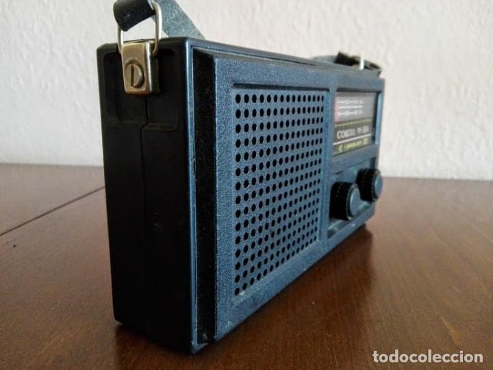 Radios antiguas: Radio sokol URSS vintage, radio portátil años 70 - Foto 2 - 166158190