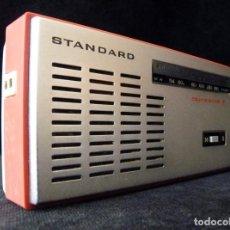 Radios antiguas: ANTIGUO RADIO STANDARD TRANSITOR 7. SR-GT700. JAPAN. AÑOS 60. 2 BANDAS. FUNCIONA CORRECTAMENTE. Lote 166349782