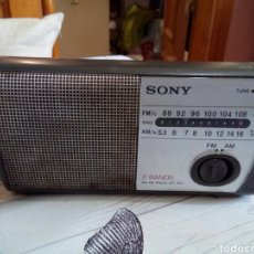 Radios antiguas: RADIO SONY 2 BANDS ICF-303. Lote 166697926