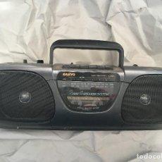 Radios antiguas: RADIO CASETE SANYO CASSETTE 2 WAY 4 SPEAKER SYSTEM M7035F KREATEN. Lote 167058332