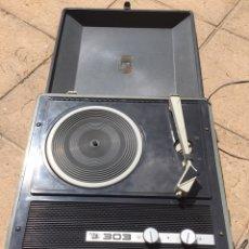 Radios antiguas: TOCADISCOS 303 BI TENSIÓN PARA REPARAR O PIEZAS. Lote 167518185