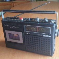 Radios antiguas: VINTAGE RADIOCASSETTE SANYO MOD. M2420. Lote 167810648