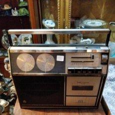 Radios antiguas: RADIO CASSETTE ASTRONAUTA MOD. 70 PT - ESPAÑA - 31.5 X 29.5CM. Lote 168140808