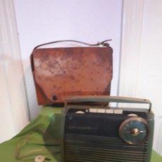 Radios antiguas: ANTIGUA RADIO GRUNDIG DE LUXE AÑOS 70 LEER DESCRIPCIÓN. Lote 168377740
