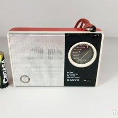 Old radios - Radio transistor SANYO 6C-368, FUNCIONANDO, ver vídeo. - 169125318