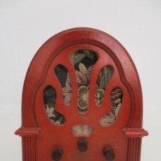 Radios antiguas: CURIOSA RADIO PEQUEÑA - MARCA LAVIS, MOD TR-9110. Lote 169619886