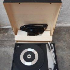 Radios antiguas: ANTIGUO TOCADISCOS MALETA PORTÁTIL DUAL 430. Lote 169859665