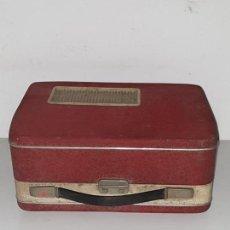 Radios antiguas: TOCADISCOS MALETA ROJO. Lote 169919432