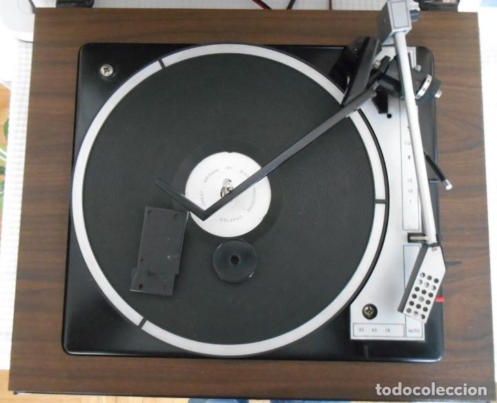 Radios antiguas: Tocadiscos : COSMO ,Modelo F 6770 Automatico ,funcionando - Foto 2 - 170189192