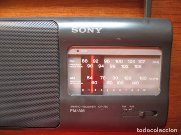 Radios antiguas: RADIO SONY 2 BAND RECEIVER ICF-780 - Foto 2 - 170217440