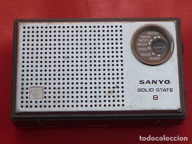 RADIO TRANSISTOR DE BOLSILLO SANYO,,,AÑOS 80..FUNCIONANDO, CON DEFECTO PEQUEÑO...CURIOSO (Radios, Gramófonos, Grabadoras y Otros - Transistores, Pick-ups y Otros)