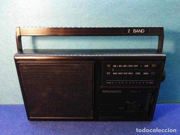 RADIO TRANSISTOR MAGNAVOX FUNCIONANDO (Radios, Gramófonos, Grabadoras y Otros - Transistores, Pick-ups y Otros)