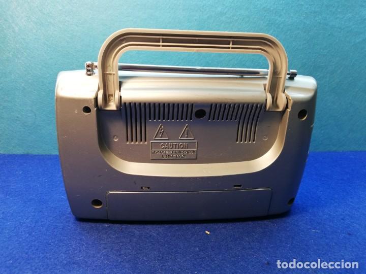 Radios antiguas: Radio portatil Nevir FUNCIONANDO - Foto 2 - 171427759