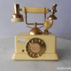 Radios antiguas: RADIO EN FORMA DE TELÉFONO. Lote 171677783