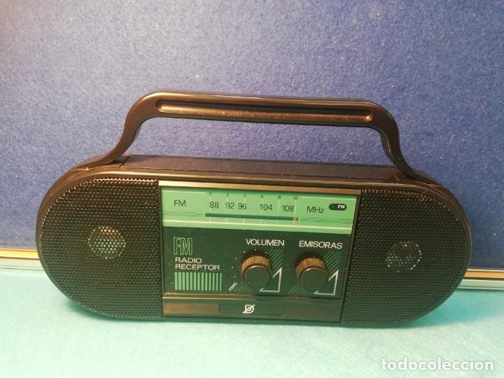 RADIO RECEPTOR FM MOD 9991369 NUEVO FUNCIONA (Radios, Gramófonos, Grabadoras y Otros - Transistores, Pick-ups y Otros)