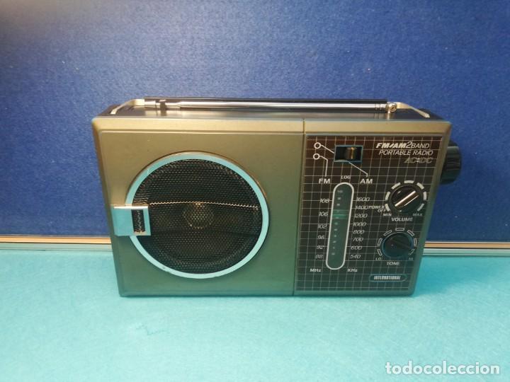 RADIO TRANSISTOR INTERNATIONAL FUNCIONANDO (Radios, Gramófonos, Grabadoras y Otros - Transistores, Pick-ups y Otros)
