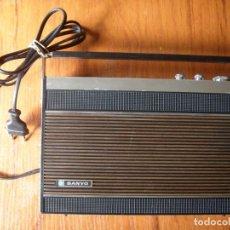 Radios antiguas: RADIO SANYO VINTAGE EN BUEN ESTADO. Lote 172102539