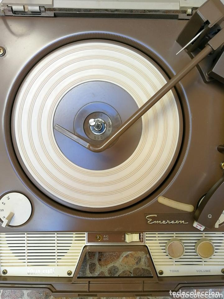 Radios antiguas: Toca discos portátil Emerson - Foto 3 - 172910015
