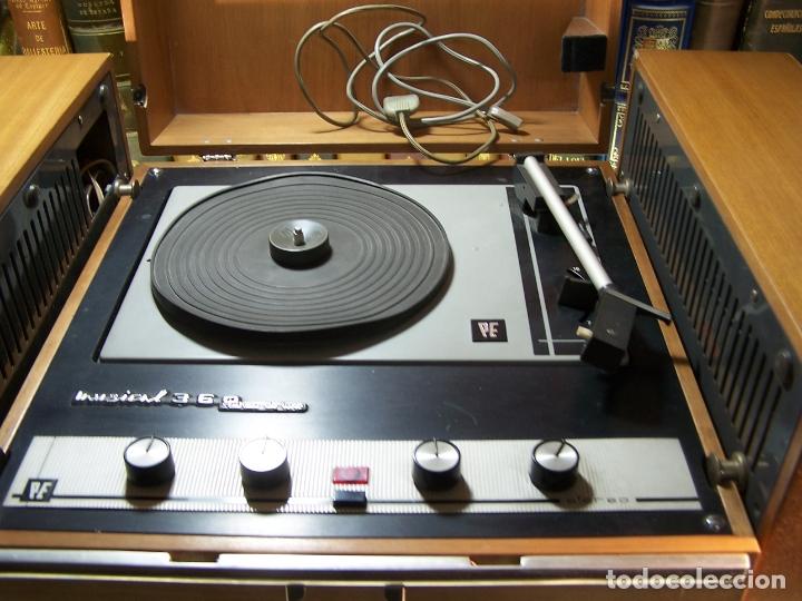 Radios antiguas: Pick-up Perpetuum-Ebner. Modelo Musical 360 stereo deluxe. 125/220. Fabricado en España. - Foto 3 - 172925885