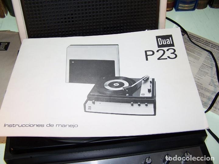 Radios antiguas: Pick-up Dual P23. Completo. Funcionando. Con instrucciones. Forma de maleta para transporte. - Foto 4 - 172926265