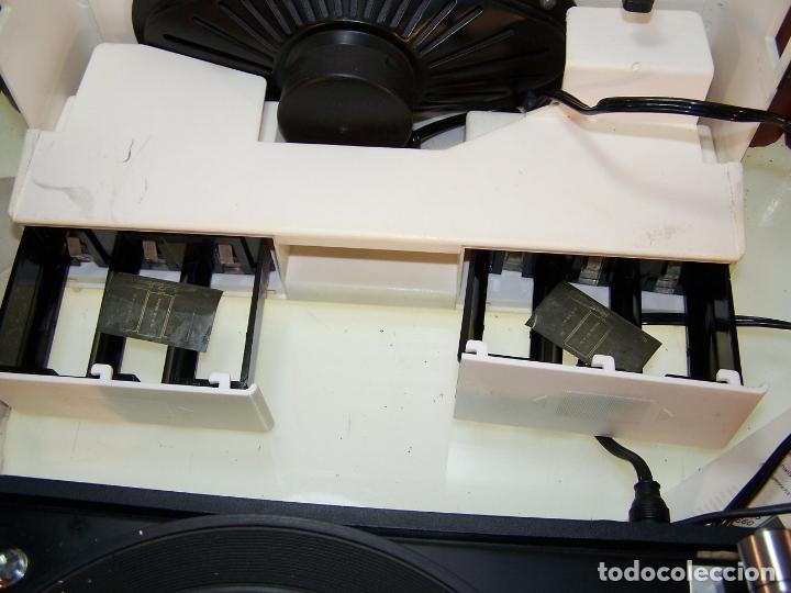Radios antiguas: Pick-up Dual P23. Completo. Funcionando. Con instrucciones. Forma de maleta para transporte. - Foto 6 - 172926265