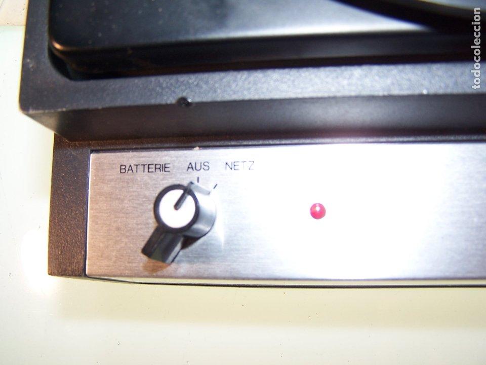 Radios antiguas: Pick-up Dual P23. Completo. Funcionando. Con instrucciones. Forma de maleta para transporte. - Foto 8 - 172926265