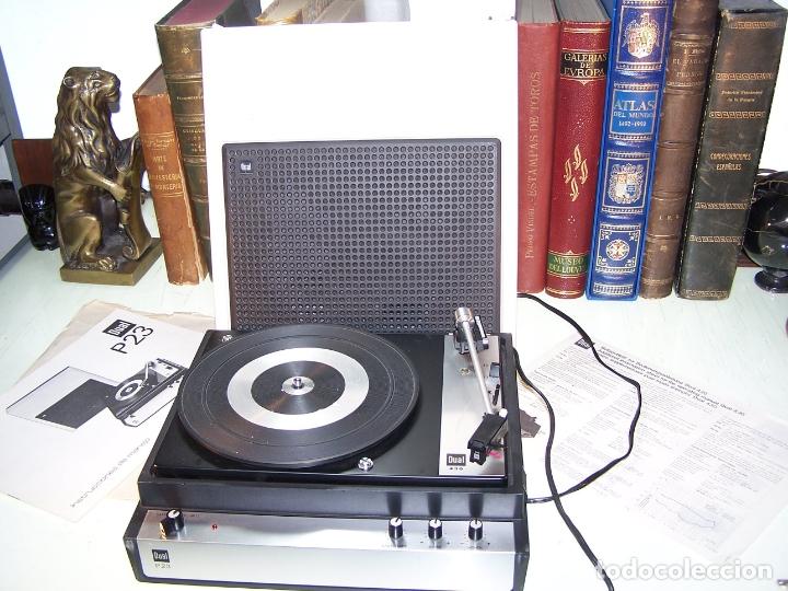 PICK-UP DUAL P23. COMPLETO. FUNCIONANDO. CON INSTRUCCIONES. FORMA DE MALETA PARA TRANSPORTE. (Radios, Gramófonos, Grabadoras y Otros - Transistores, Pick-ups y Otros)