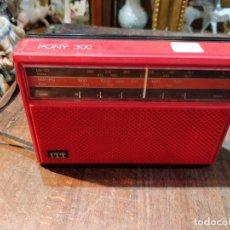 Radios antiguas: RADIO ITT PONY 300 EN COLORES ROJO Y NEGRO - 17.5 X 12 X 5CM. Lote 172988242