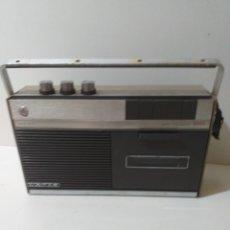 Radios antiguas: CASSETTE LAVIS 2000, NO ESTÁ PROBADO. FALTA TAPA DE LAS PILAS. Lote 173012183