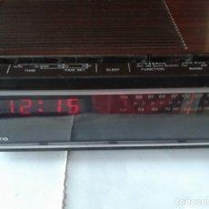 Radios Anciennes: RADIO RELOJ DESPERTADOR SANYO. Lote 173988254
