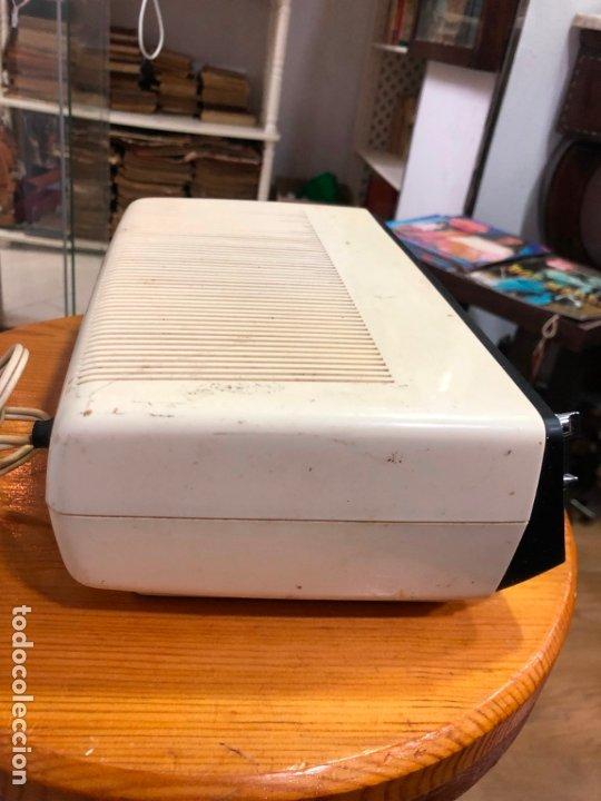 Radios antiguas: RADIO RELOJ SANYO AÑOS 60 - RADIO FUNCIONANDO PERFECTAMENTE - Foto 5 - 174034578