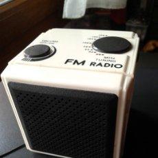 Radios antiguas: FM RADIO. Lote 174161863