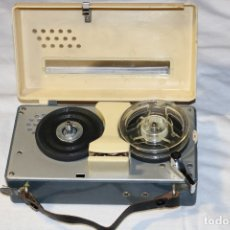 Radios antiguas: MAGNETÓFONO EN MINIATURA MASTER CORDER. Lote 174344042
