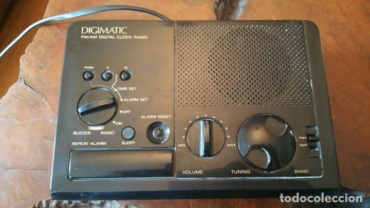 Radios antiguas: RADIO RELOJ DESPERTADOR SONY ICF-C2W DIGIMATIC FM/AM 2BANDS - FUNCIONA - Foto 2 - 175060744