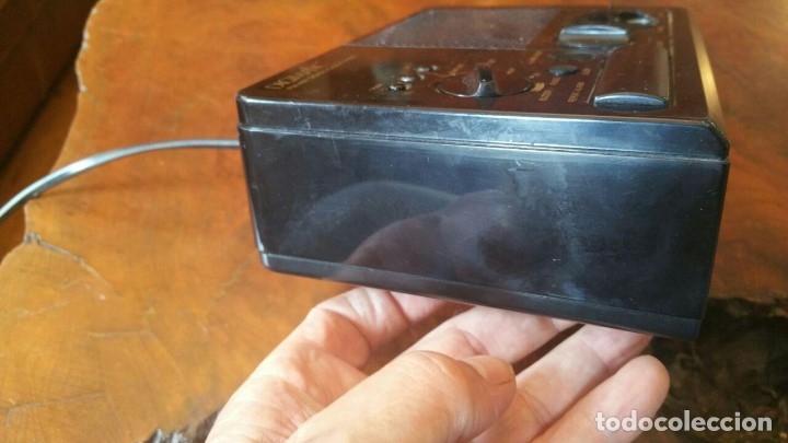 Radios antiguas: RADIO RELOJ DESPERTADOR SONY ICF-C2W DIGIMATIC FM/AM 2BANDS - FUNCIONA - Foto 3 - 175060744