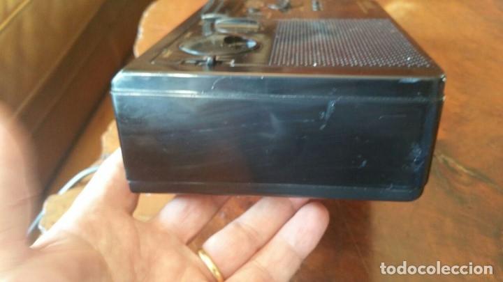 Radios antiguas: RADIO RELOJ DESPERTADOR SONY ICF-C2W DIGIMATIC FM/AM 2BANDS - FUNCIONA - Foto 5 - 175060744