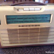 Radios antiguas: RADIO TRANSISTOR PHILIPS AÑOS 60. Lote 175864604