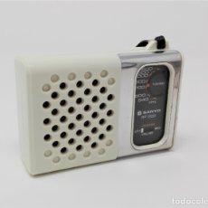 Radios antiguas: RADIO TRANSISTOR VINTAGE SANYO RP-1250. Lote 176267739