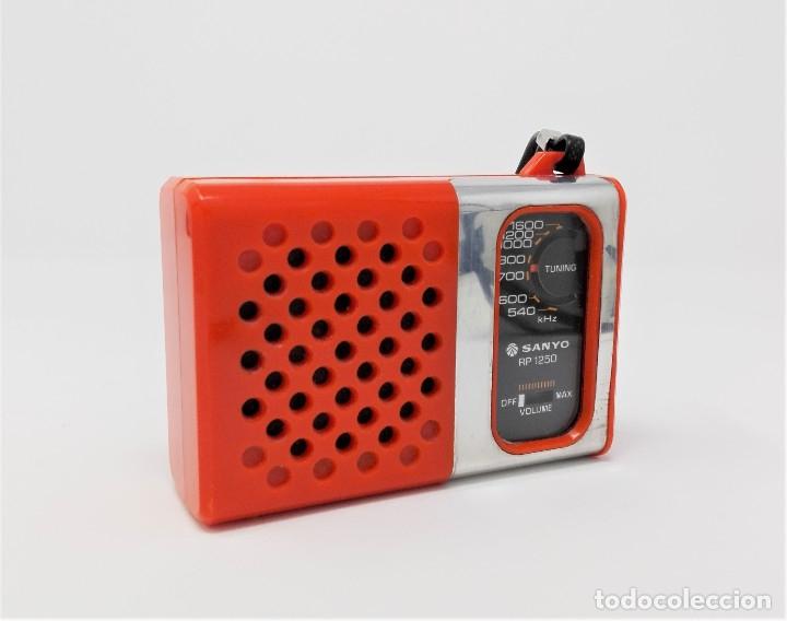 Radios antiguas: Radio Transistor Vintage SANYO RP-1250 - Foto 2 - 176267905