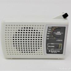 Radios antiguas: RADIO TRANSISTOR VINTAGE SANYO RP-1270. Lote 176271782