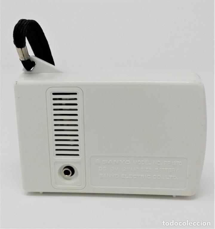 Radios antiguas: Radio Transistor Vintage SANYO RP-1270 - Foto 3 - 176271782