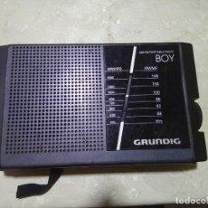 Radios antiguas: GRUNDIG-BOY-40A-AM-FM-PORTABLE-RADIO. Lote 177030083