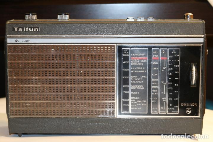 PHILIPS TAIFUN DE LUXE 22RL496, RADIO DE TRANSISTORES DE 1970, FUNCIONANDO (Radios, Gramófonos, Grabadoras y Otros - Transistores, Pick-ups y Otros)