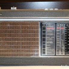 Radios antiguas: PHILIPS TAIFUN DE LUXE 22RL496, RADIO DE TRANSISTORES DE 1970, FUNCIONANDO. Lote 177079035
